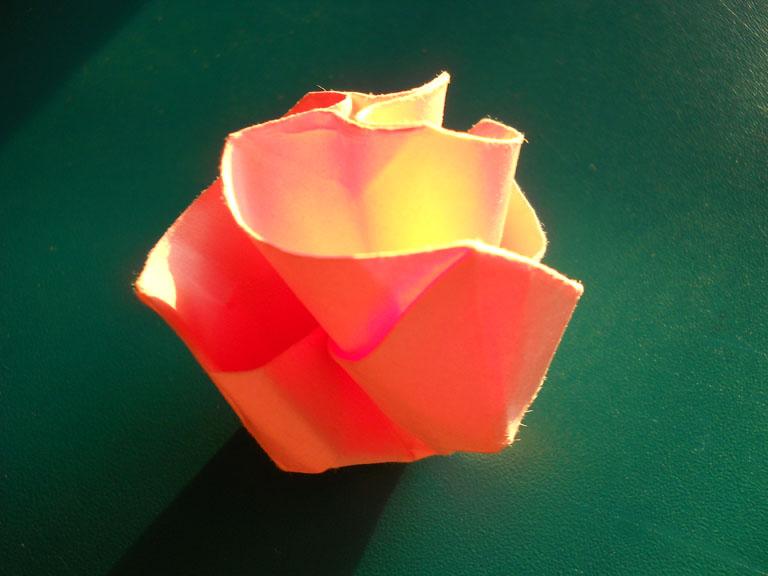Оригами для начинающих роза.  Розы из бумаги схемы.  Большая роза из.