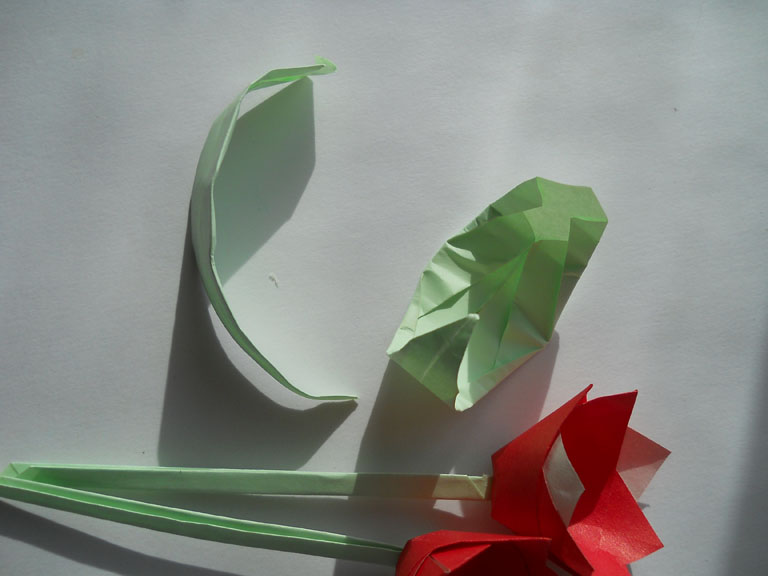 Как сделать тюльпаны из бумаги своими руками