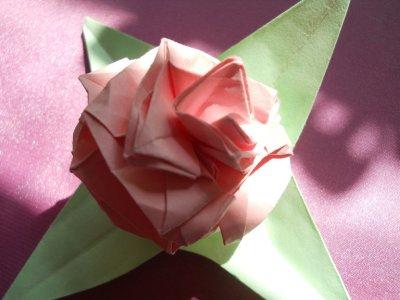 Бумажная роза: классика жанра