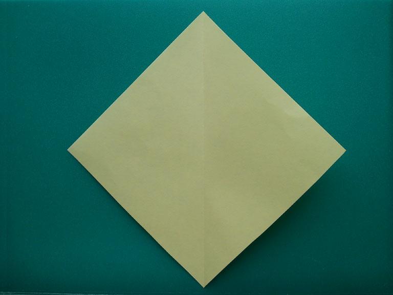 Как сделать оригами из бумаги цветы легко