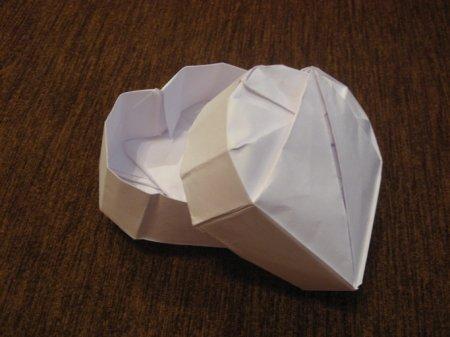 Как сделать объемное сердце из бумаги.